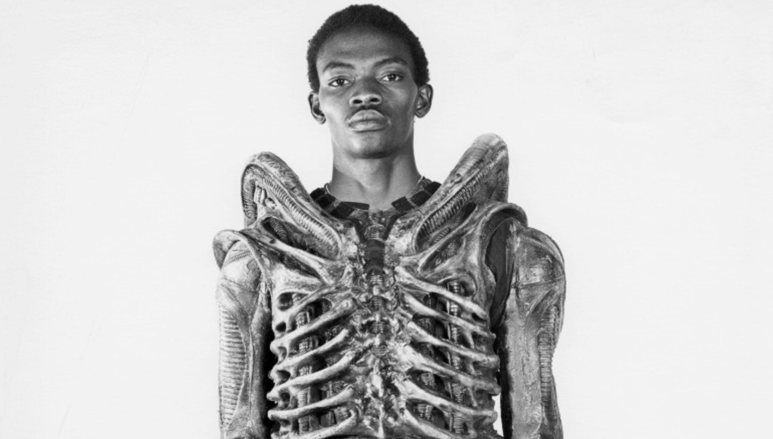 READ >> Bolaji Badejo: The Nigerian giant who played 'Alien'